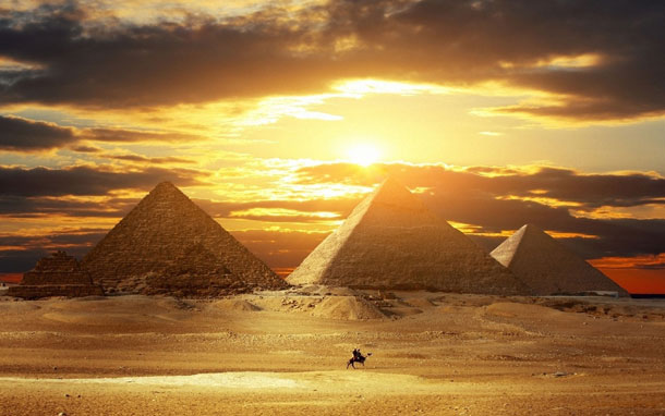 16-Great-Pyramids-Egypt