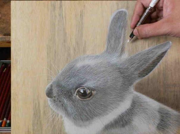 Singaporean Artist Creates HyperRealistic Drawings On Wood