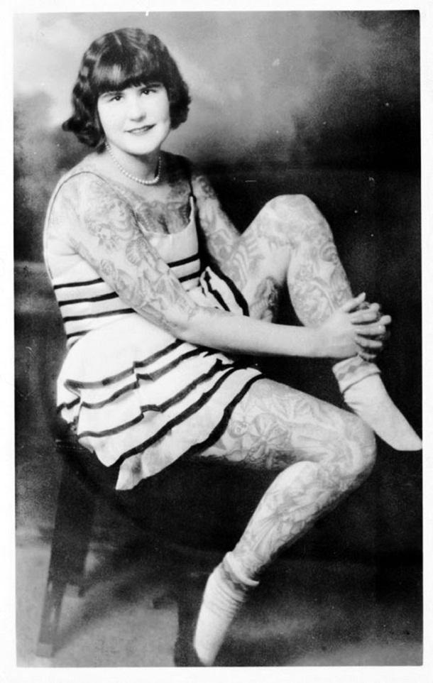 vintage photos - women with tattoos 3