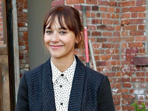 rashida jones - smart celebs - hollywood
