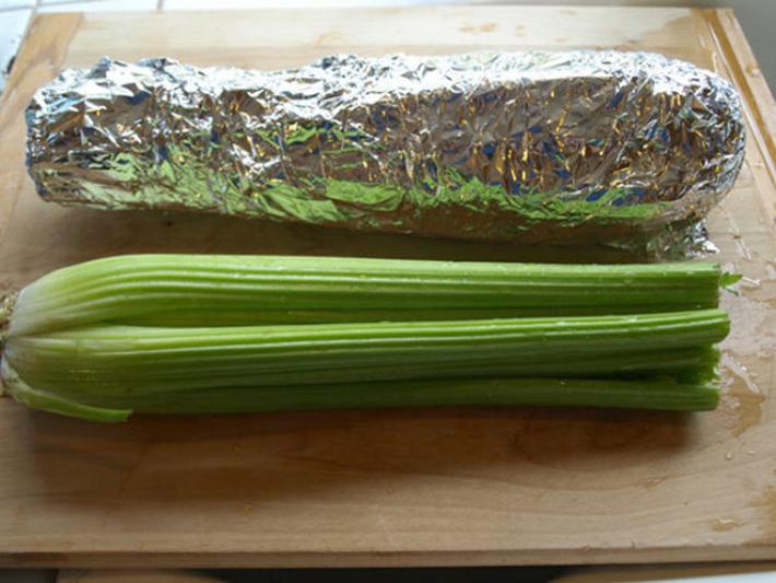 food hacks -  celery foil