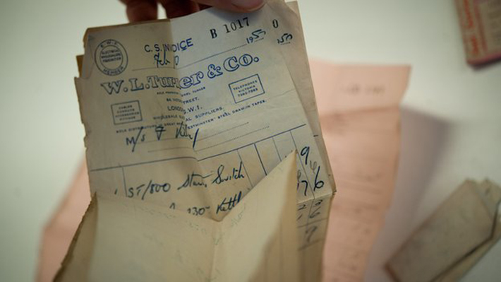man reunited with wallet after decades (1)