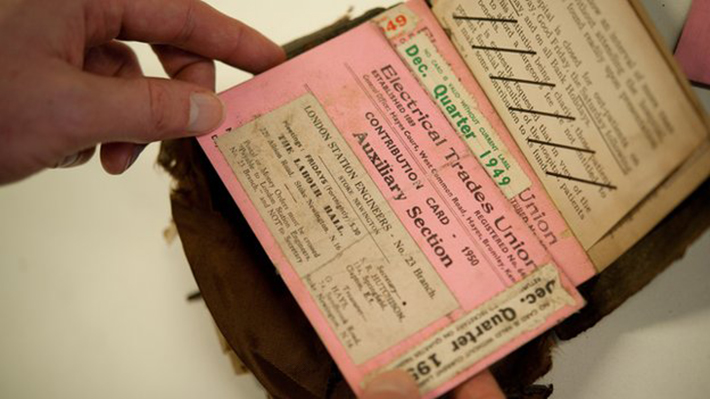 man reunited with wallet after decades (5)