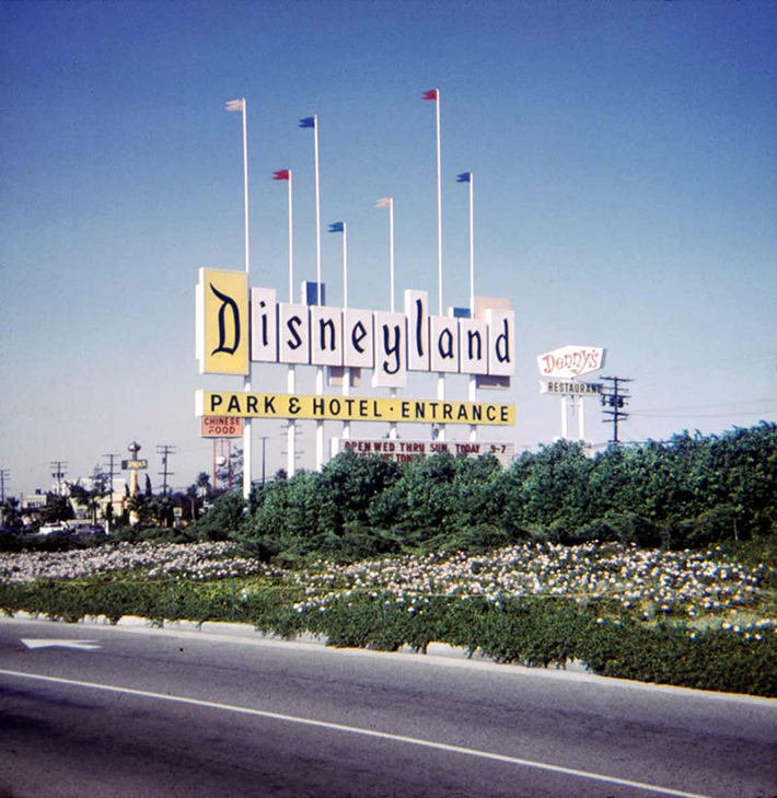 What Disneyland Looked Like in 1950s - Atchuup! - Cool Stories Daily