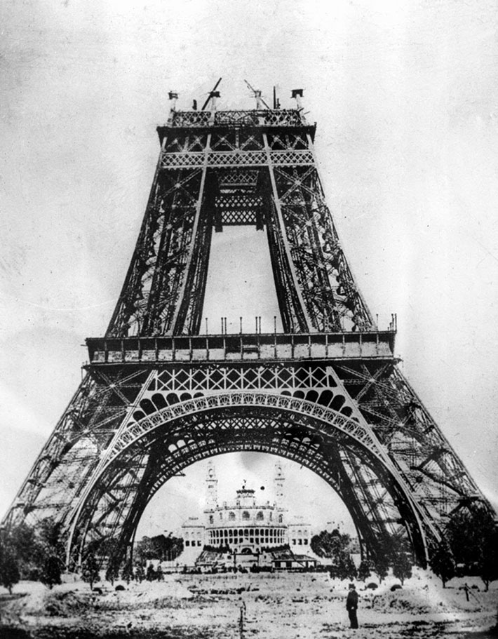 21 Rare Photos Of Eiffel Tower Under Construction In Paris