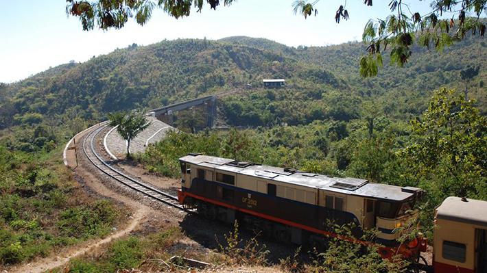 scariest train rides - burma-thailand railway (3)