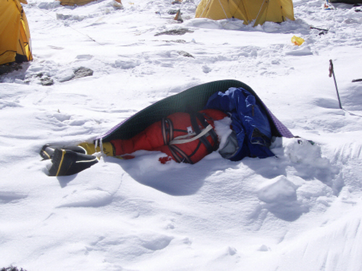 dead bodies everest 4