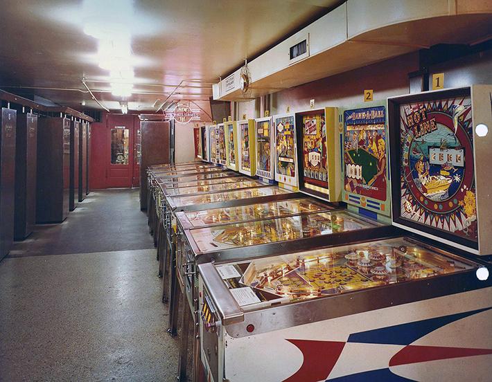 Wonderland-Arcade-5