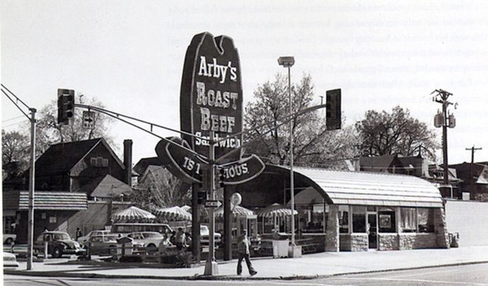 30 Photos Of Famous Restaurants When They First Opened