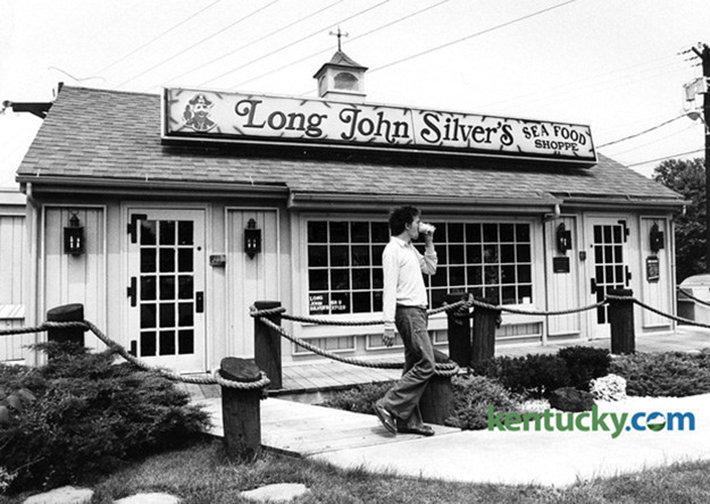 31 Famous Restaurants When They First Opened Atchuup